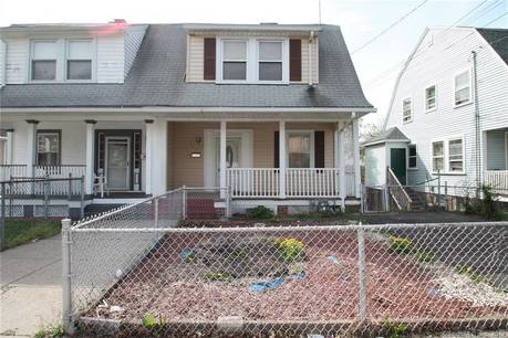 Single Family Home Sold in Bridgeport CT 06610. Old colonial house near waterfront.