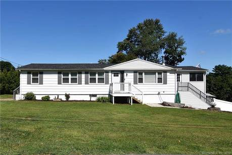 Single Family Home Sold in Danbury CT 06811. Ranch house near beach side waterfront.