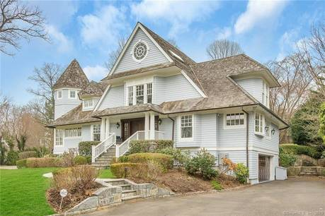 Luxury Single Family Home Sold in Greenwich CT 06878. Colonial house near waterfront with 3 car garage.