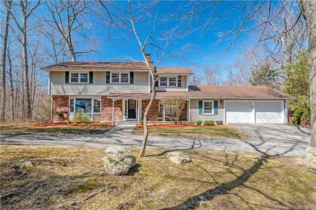 Single Family Home Sold in Newtown CT 06470. Colonial house near river side waterfront with 2 car garage.