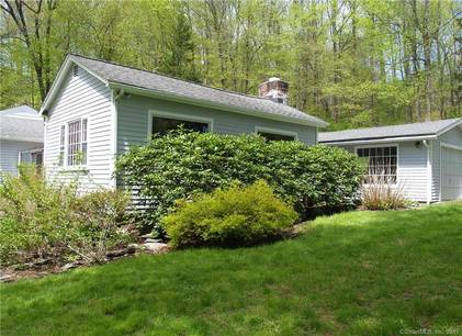 Single Family Home Sold in Weston CT 06883. Old ranch house near lake side waterfront with 1 car garage.