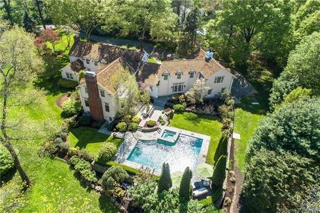 Mansion Sold in Wilton CT 06897. Old colonial house near waterfront with swimming pool and 3 car garage.