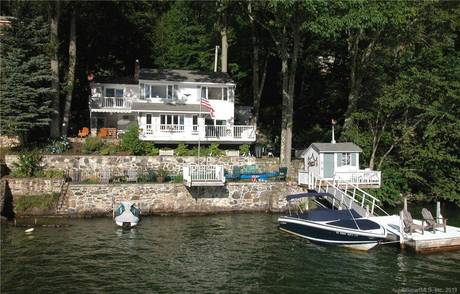 Single Family Home Sold in Danbury CT 06811. Ranch cottage house near lake side waterfront.