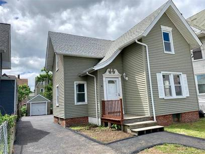 Single Family Home Sold in Bridgeport CT 06608. Old colonial house near waterfront with 1 car garage.