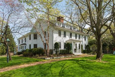 Luxury Single Family Home Sold in New Canaan CT 06840. Old colonial house near waterfront with swimming pool and 3 car garage.
