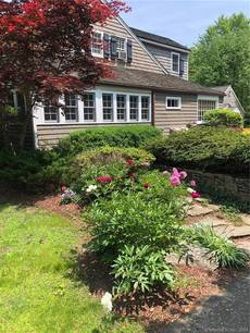 Single Family Home Sold in Monroe CT 06468. Old colonial, antique house near waterfront with swimming pool and 1 car garage.