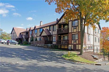 Condo Home Sold in Bridgeport CT 06606.  house near waterfront with swimming pool.