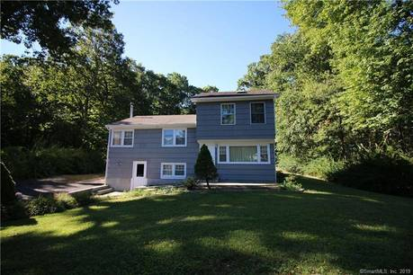 Single Family Home Rented in Monroe CT 06468.  house near waterfront.