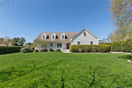 Single Family Home Sold in Trumbull CT 06611. Ranch cape cod house near waterfront with 2 car garage.