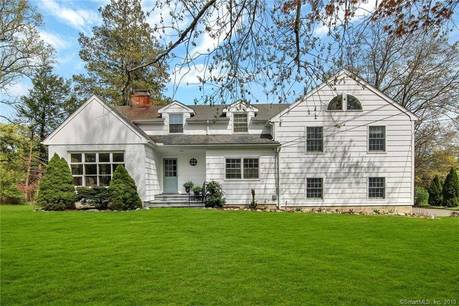 Single Family Home Sold in Norwalk CT 06850. Colonial house near waterfront with 3 car garage.