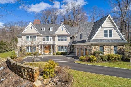 Mansion Sold in Stamford CT 06903. Big colonial house near waterfront with 3 car garage.