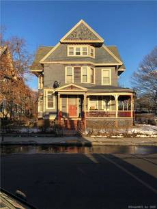 Foreclosure: Multi Family Home For Sale in Bridgeport CT 06604. Old  house near waterfront.