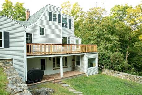 Single Family Home Sold in Stamford CT 06903.  cape cod house near waterfront with 1 car garage.