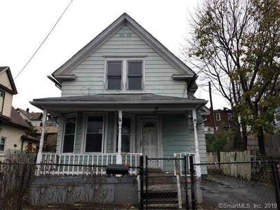 Foreclosure: Single Family Home Sold in Bridgeport CT 06610. Old  house near waterfront.
