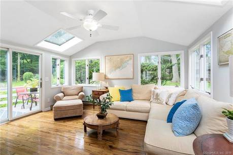 Single Family Home Sold in Norwalk CT 06853.  house near beach side waterfront with 1 car garage.