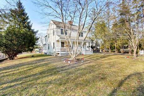 Single Family Home Sold in New Canaan CT 06840. Colonial house near waterfront.