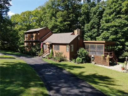 Single Family Home Sold in Danbury CT 06811. Old colonial house near waterfront with swimming pool and 2 car garage.