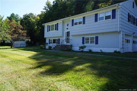 Single Family Home For Sale in Danbury CT 06811. Ranch house near waterfront with 2 car garage.