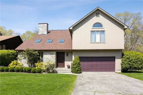 Single Family Home Sold in Stamford CT 06905. Contemporary house near river side waterfront with 2 car garage.