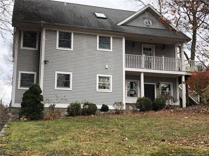 Foreclosure: Single Family Home Sold in Stamford CT 06902. Colonial house near waterfront.