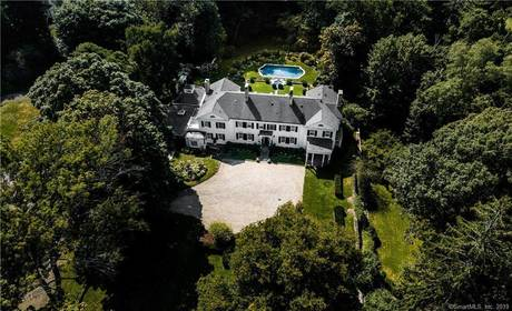 Luxury Mansion Sold in New Canaan CT 06840. Old colonial house near waterfront with swimming pool and 2 car garage.