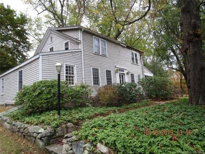 Foreclosure: Single Family Home Sold in Danbury CT 06811. Old colonial house near waterfront with 3 car garage.