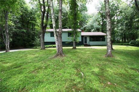 Single Family Home Sold in Monroe CT 06468.  house near waterfront with 2 car garage.