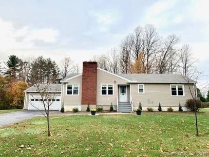 Single Family Home For Rent in Shelton CT 06484. Ranch house near waterfront with 2 car garage.