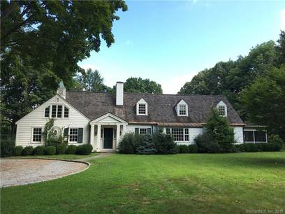 Foreclosure: Single Family Home For Sale in Darien CT 06820.  cape cod house near waterfront with 2 car garage.