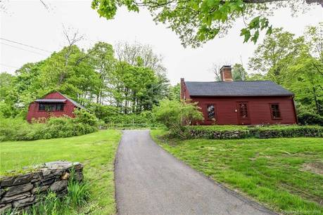Single Family Home Sold in Brookfield CT 06804. Old colonial, antique house near waterfront.