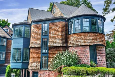 Condo Home Sold in New Canaan CT 06840.  townhouse near waterfront with 2 car garage.
