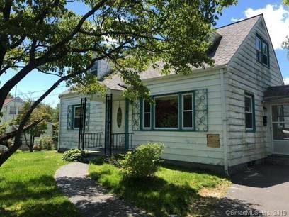 Foreclosure: Single Family Home Sold in Stratford CT 06614.  cape cod house near waterfront with 3 car garage.