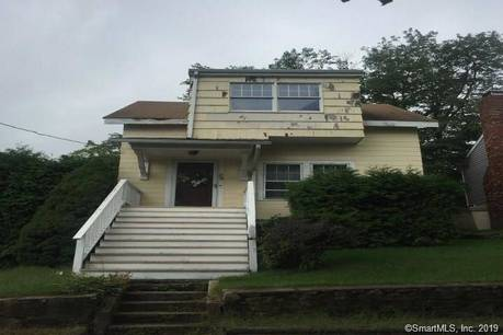 Single Family Home Sold in Bridgeport CT 06606. Old  cape cod house near waterfront.