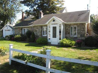 Single Family Home Sold in Norwalk CT 06854. Old ranch cottage house near beach side waterfront with 1 car garage.