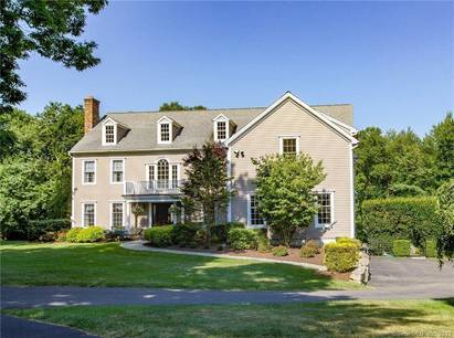 Single Family Home For Sale in Redding CT 06896. Colonial house near waterfront with swimming pool and 3 car garage.