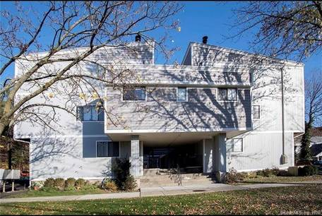 Condo Home Sold in Norwalk CT 06851.  townhouse near waterfront.