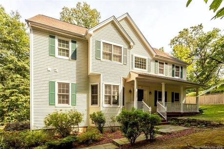 Single Family Home Sold in Norwalk CT 06854. Colonial house near waterfront with 2 car garage.