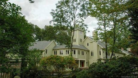 Mansion For Sale in Weston CT 06883. Big contemporary house near waterfront with 4 car garage.