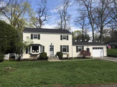 Single Family Home Sold in Darien CT 06820.  house near waterfront with 1 car garage.