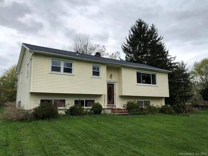 Foreclosure: Short Sale: Single Family Home Sold in Danbury CT 06811. Ranch house near waterfront with 2 car garage.