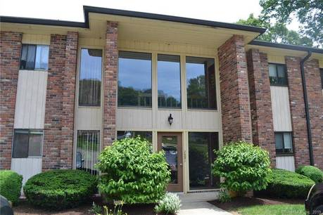 Condo Home Sold in Shelton CT 06484. Ranch house near river side waterfront.
