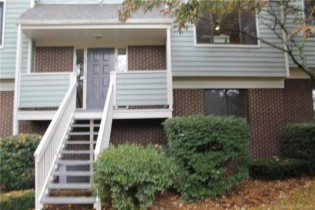 Condo Home For Rent in Norwalk CT 06850. Ranch house near waterfront with swimming pool and 1 car garage.