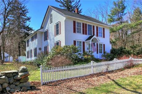 Single Family Home Sold in Monroe CT 06468. Old colonial, antique house near waterfront.