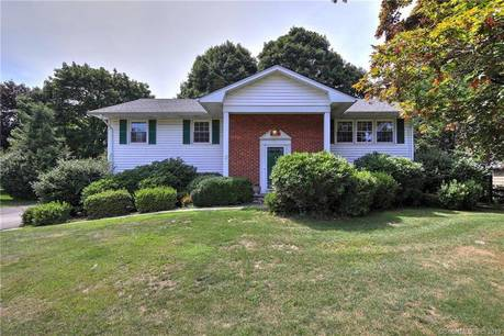Single Family Home Sold in Norwalk CT 06854. Ranch house near waterfront with 2 car garage.