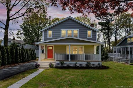 Single Family Home Sold in Norwalk CT 06851. Old colonial house near waterfront with 1 car garage.