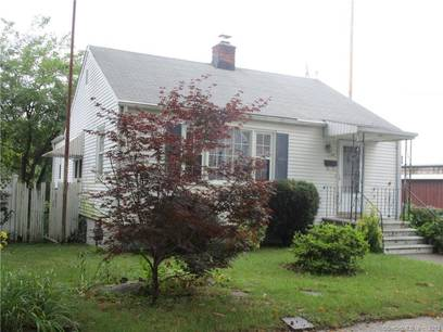 Single Family Home Sold in Bridgeport CT 06610. Ranch house near beach side waterfront with 1 car garage.