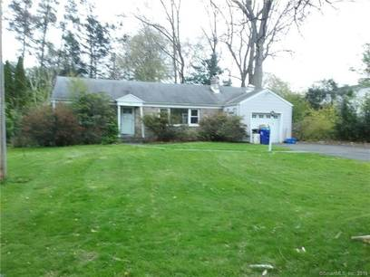 Foreclosure: Single Family Home Sold in Norwalk CT 06854. Ranch house near waterfront with 1 car garage.