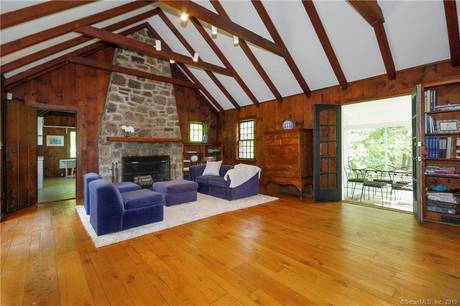 Single Family Home Sold in Westport CT 06880.  cottage house near waterfront with 1 car garage.