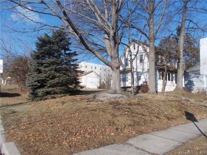 Single Family Home For Sale in Bridgeport CT 06610. Old colonial house near waterfront with 1 car garage.