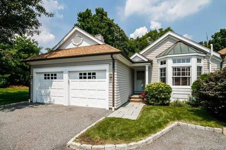 Condo Home For Sale in Wilton CT 06897. Ranch house near waterfront with 2 car garage.